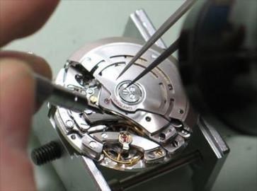 Remplacement des mouvements de montres sans date
